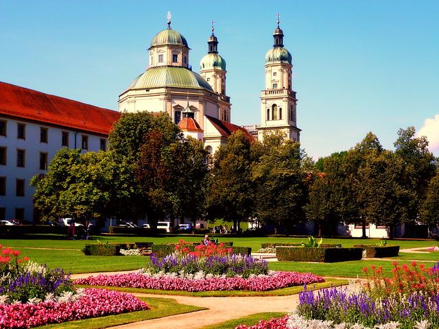 Basilika St. Lorez mit Hofgarten in Kempten/Allgäu