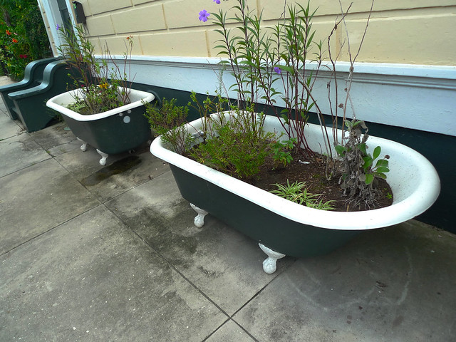 Clawfoot planters