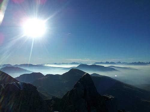 Blick vom Gipfel des Ifinger (2.581 m) Richtung Südosten in die Dolomiten