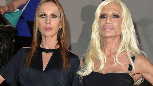 Donatella-y-Allegra-Versace