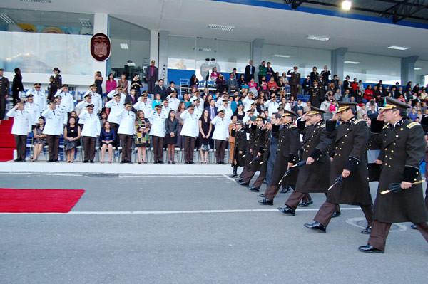 Polic a sesenta y ocho oficiales ascendieron al grado de for Twitter ministerio del interior ecuador