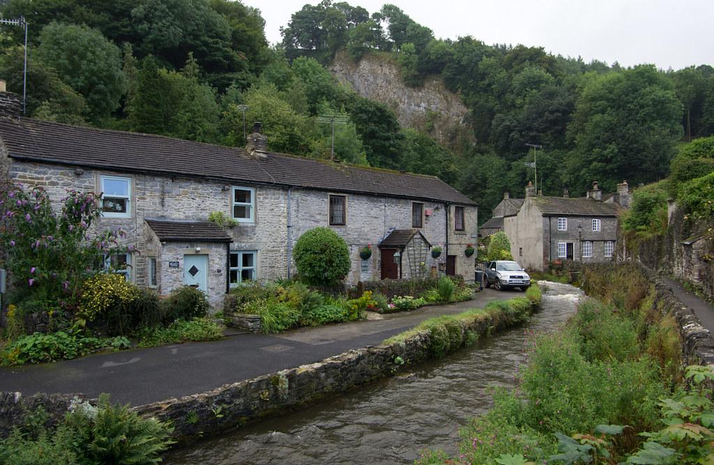 Castleton Derbyshire England Around Guides