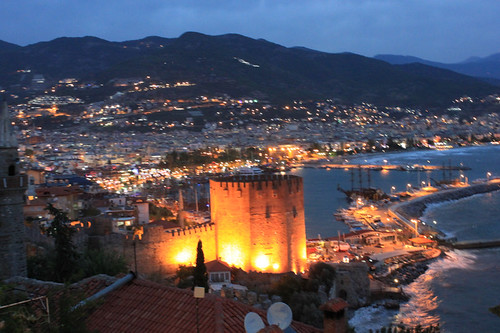 20131017_8270-Alanya-red-tower-dusk_resize