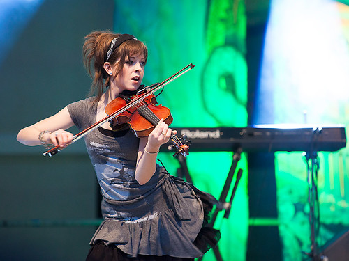 Lindsey Stirling at Celtica 2012 - 03
