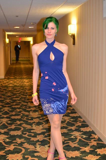 Supermegafest Joanie in her dress