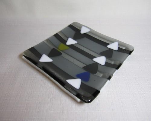 モノクロ三角① by Poran111