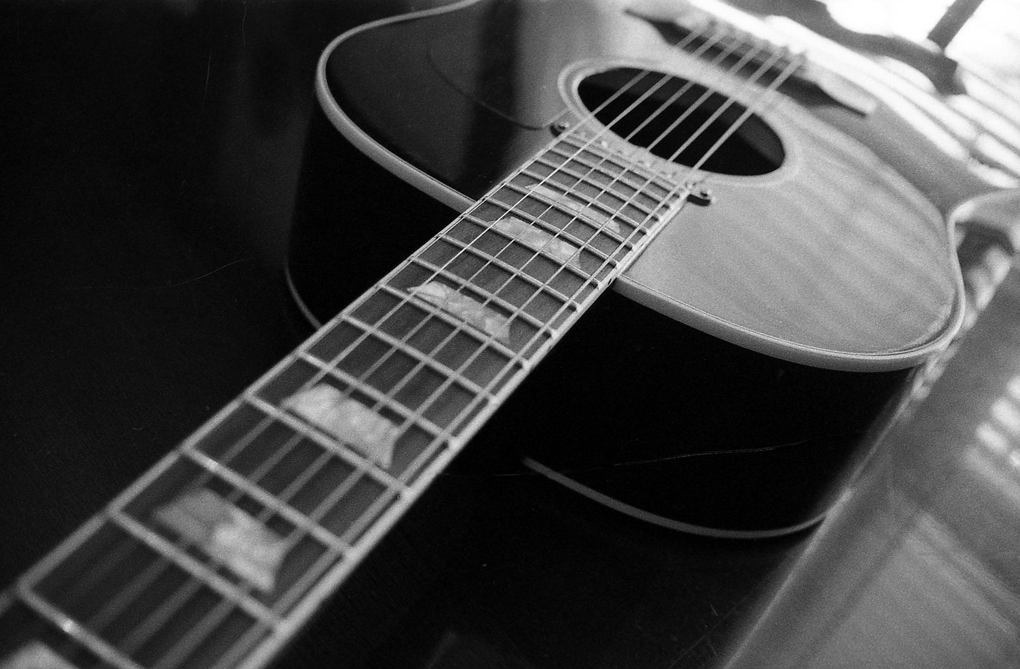 Acoustic Guitar Photography - Pinterest