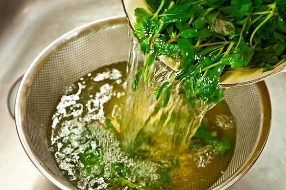 Straining mint tea