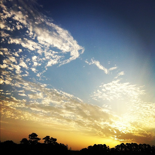 Another beautiful drive in this morning! #photoadayjuly #clouds #ontheroad #sunrise #sky