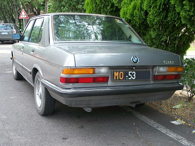 Black 1980 Bmw 320i At P U0026p Is Not An E21