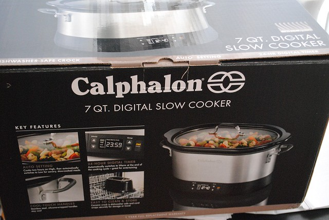 7- Quart Slow cooker in original box