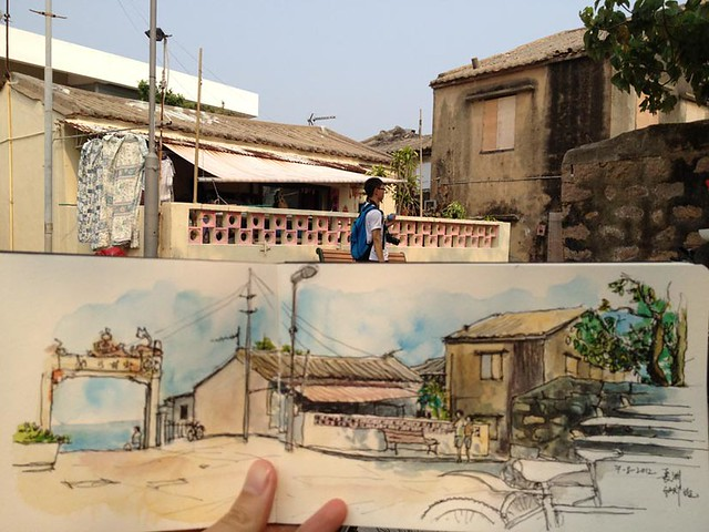 Sketching near Cheung Chau Beach 長洲東灣村屋
