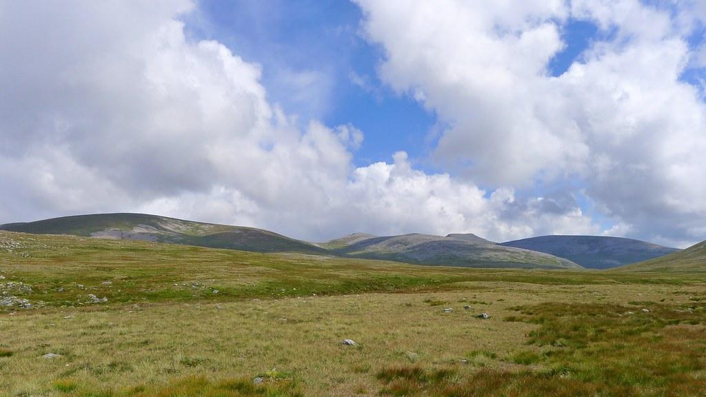 Towards Cairn Toul