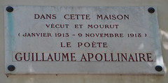 Photo of Guillaume Apollinaire white plaque