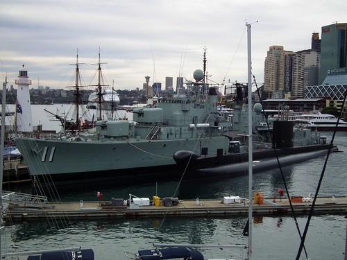 """HMAS """"Vampire"""" & HMAS """"Onslow"""""""