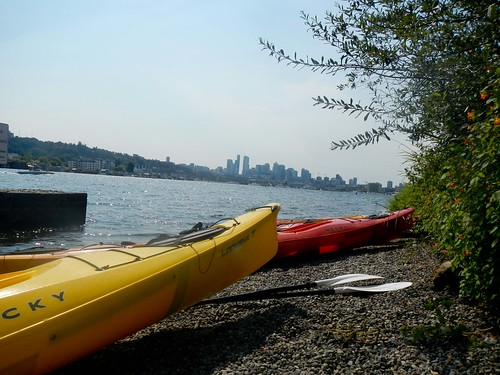 Kayaking Around Lake Union