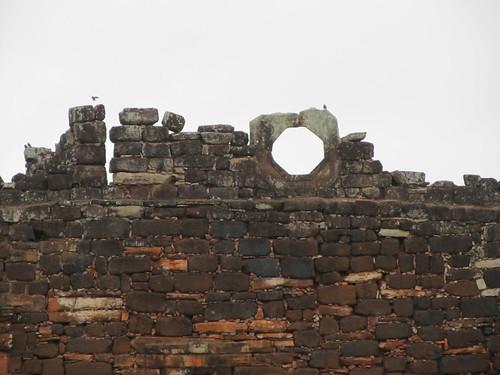 San Ignacio Mini: de la brique noire, de la brique rouge, colorée cette mission jésuite.