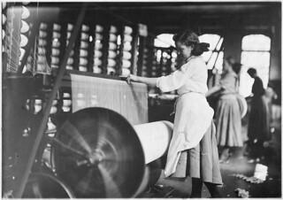 Lincoln Cotton Mills, Evansville, Ind. Girls at weaving machines; warpers. Evansville, Ind, October 1908