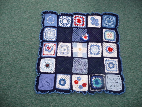 Thanks to Beverley for assembling. Thanks to everyone for contributing squares!