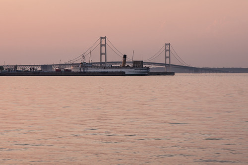 ferry docks straits mackinacbridge mackinawcity eos40d teepeecampground shanewyatt