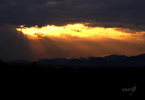 morning pakistan black mountains rain yellow clouds sunrise ray mistlight sonyalphadslra200 umar36