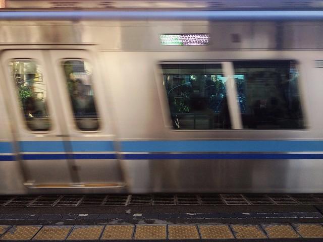 斜めに写った電車