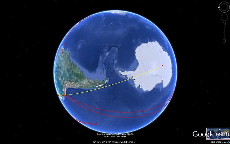 南極点を通過する真直線