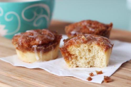Easy Cinnamon Roll Muffins