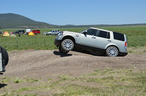 Land Rover tire raise