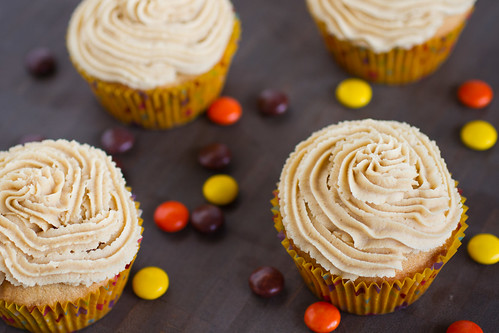 Peanut Butter Cupcakes-005.jpg