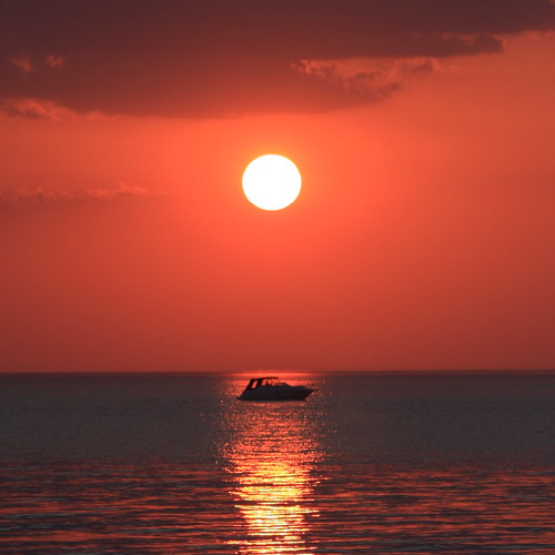 Variations on an orange sunset - A boating affair