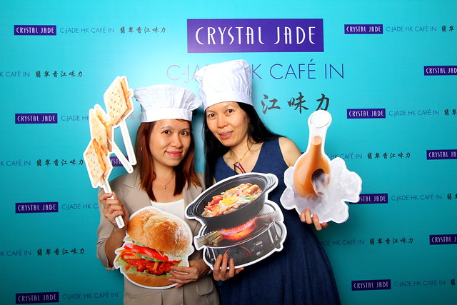 C-Jade HK Café IN: Here's a shot of aunty and me at the Crystal Jade event