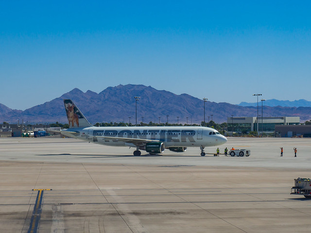 Frontier Airlines A320 N214FR