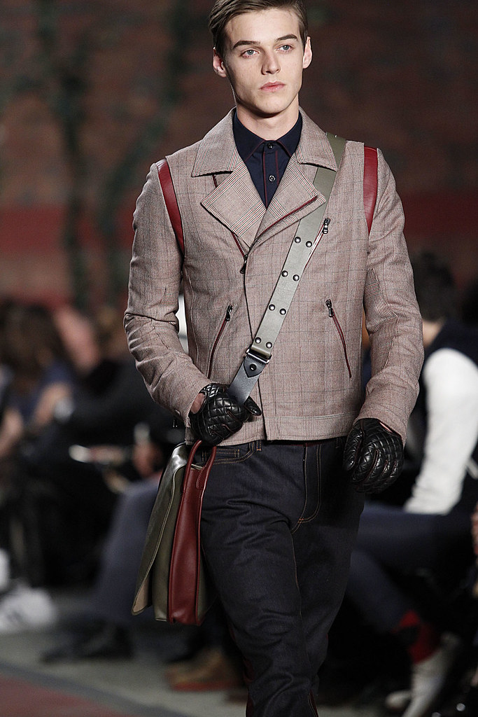 Robbie Wadge3595_FW12 NY  Tommy Hilfiger(VOGUE)
