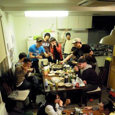 東京に増えているコワーキングオフィス _ 03 シェアハウスBUIEの1F