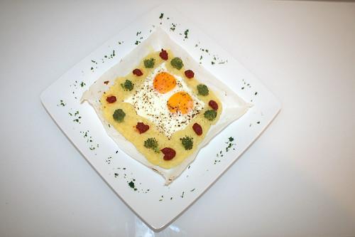 29 - Spiegelei im Kartoffelnest / Fried egg in potato nest - Serviert