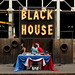 bleu-blanc-rouge-black house