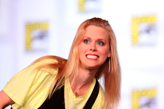 Janet Varney - Images Colection