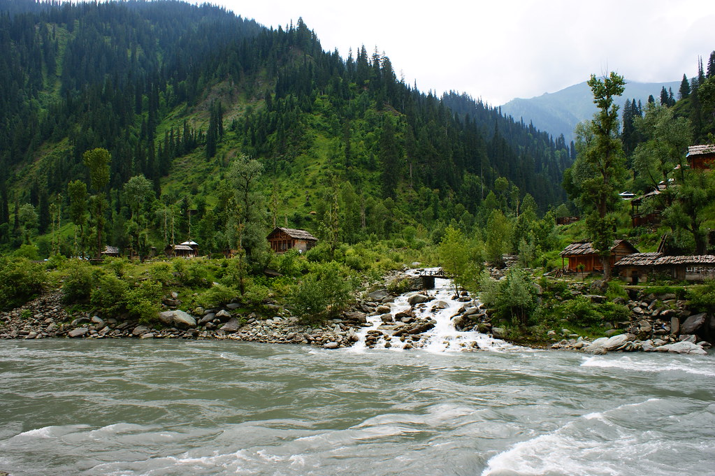 """MJC Summer 2012 Excursion to Neelum Valley with the great """"LIBRA"""" and Co - 7595583258 ebe48071e3 b"""