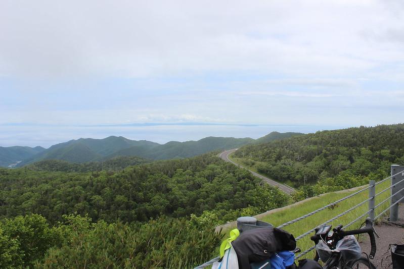 知床峠を下ったところでの景色