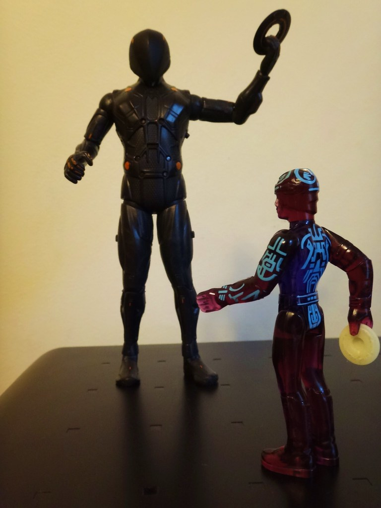 Tron vs Rinzler action figures