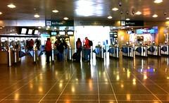 JFK空港からジャマイカ駅に出る改札