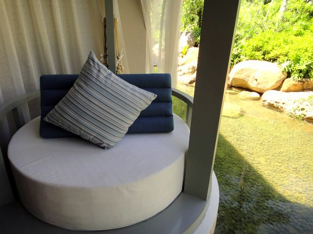Sheraton Shenzhou Peninsula Resort Custom cushion