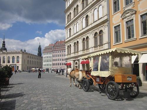 Dresda, il centro storico nei pressi della Frauenkirche by Valerio_D