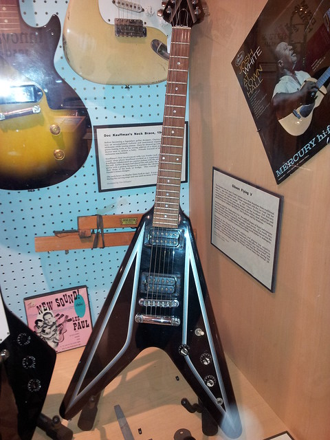 Photo:Gibson Flying V guitar (1950s) By doryfour