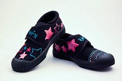 outdoor shoe(0.0), purple(0.0), leather(0.0), athletic shoe(0.0), magenta(1.0), sneakers(1.0), footwear(1.0), violet(1.0), shoe(1.0), black(1.0),