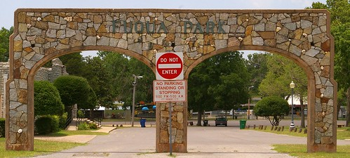 usa signs landscapes gates parks arches photographs northamerica government wpa wallpapers museums duncan greatdepression chisholmtrail americanhistory amusementparks federalgovernment historicalmuseums waymarks historictrails municipalparks