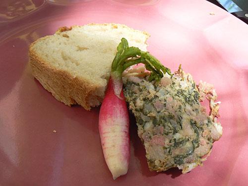 caillette, pain et radis.jpg