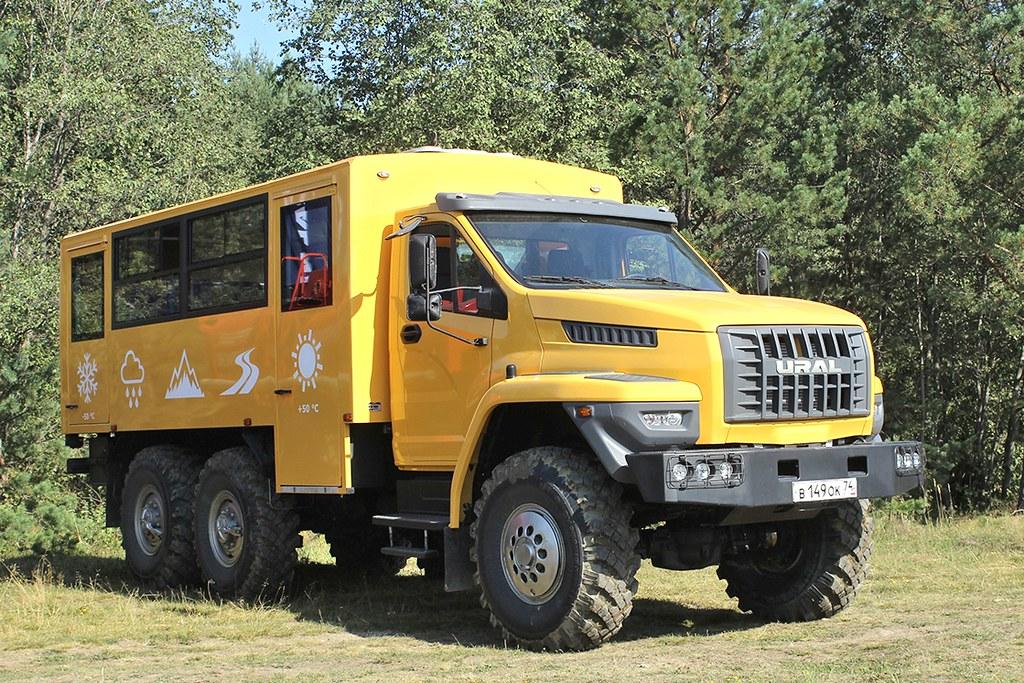 Вахтовый автобус «Урал NEXT»