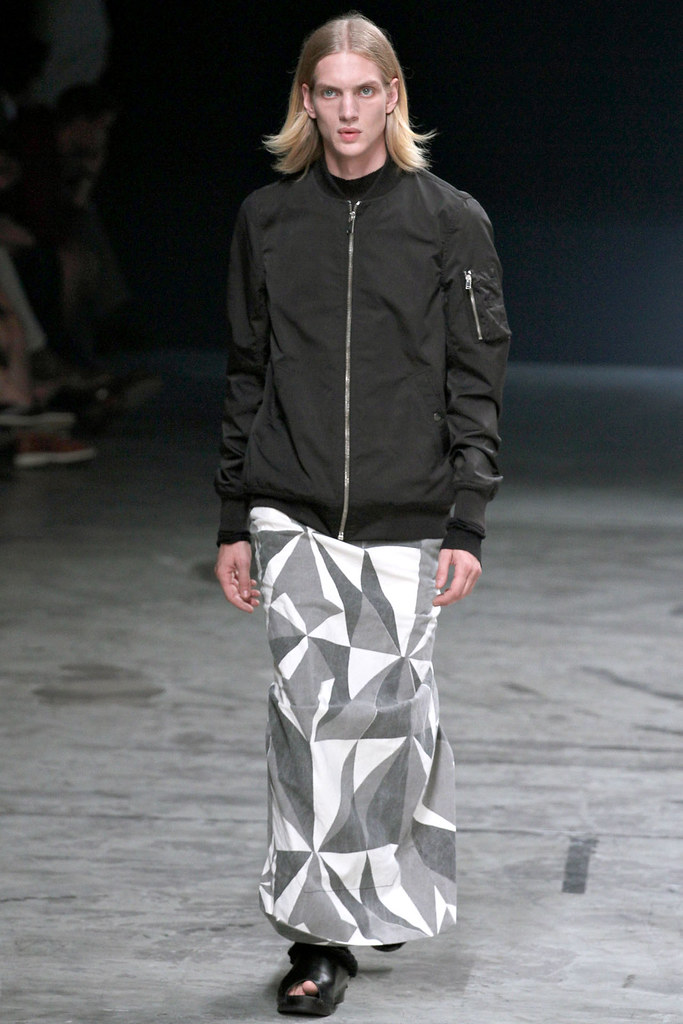 Paul Boche3401_SS13 Paris Rick Owens(VOGUE)